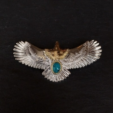 Eagle with turquoise (K18 beze...
